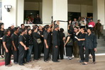UDD supporters wear black