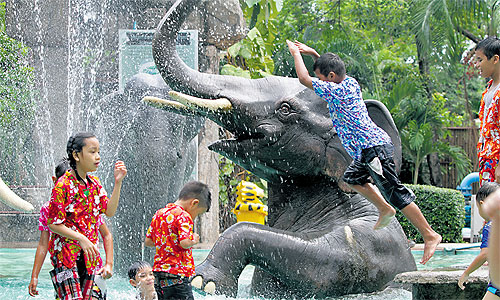 Govt launches SONGKRAN safety campaign