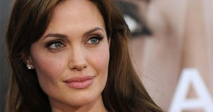 Angelina Jolie Breasts Removed To Prevent Cancer