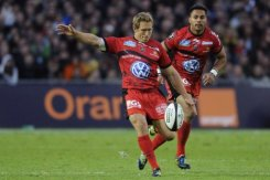 Toulon dethrone champs to stay on course for double