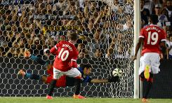 Man United crush LA Galaxy 7-0 in Van Gaal debut