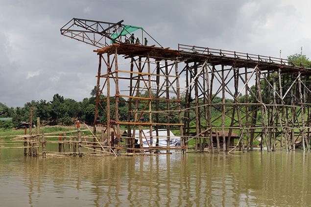 Bridging Saphan Mon