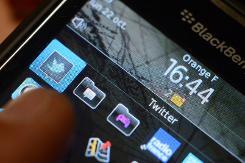 BlackBerry sets new phone launch in revival bid