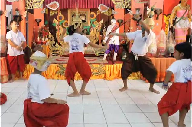Keeping Khon dance alive