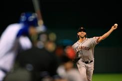 Giants rout Royals in baseball World Series opener