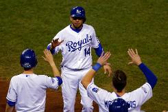 Royals rip Giants, pull even in baseball World Series