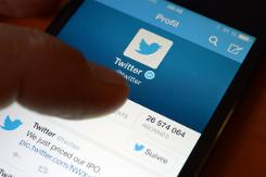 Twitter hammered on growth fears