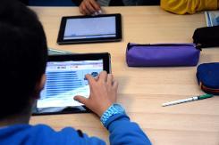 US market lifts global tablet sales
