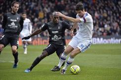 Lyon pull clear as Ibrahimovic lifts PSG
