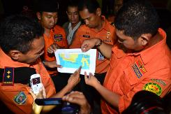 Indonesia resumes search for AirAsia crash victims