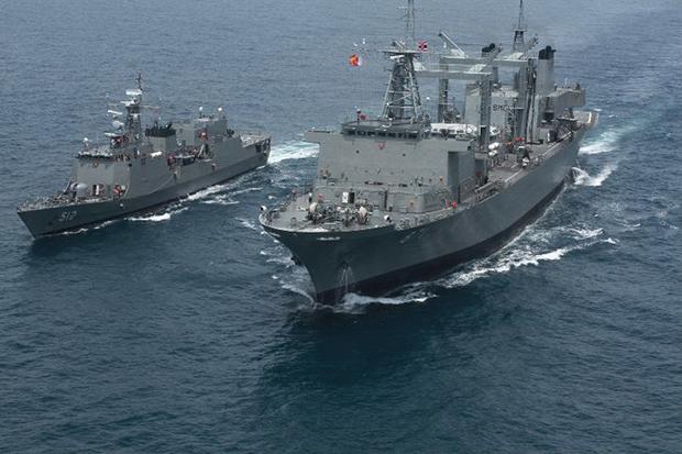 Somali pirates free 2011 Thai hostages