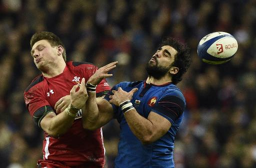 Wales keep 6 Nations hopes alive with French win