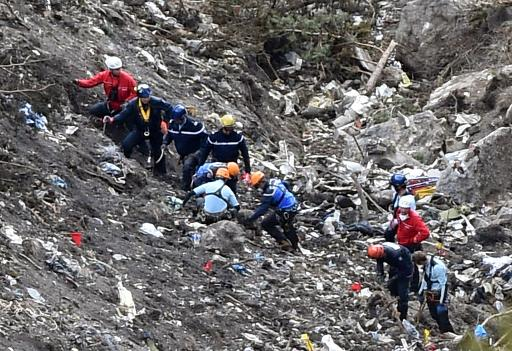 Germanwings co-pilot 'hid sick leave note for crash day'