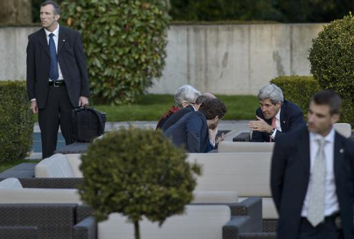 Iran talks reach fever pitch amid calls for compromise