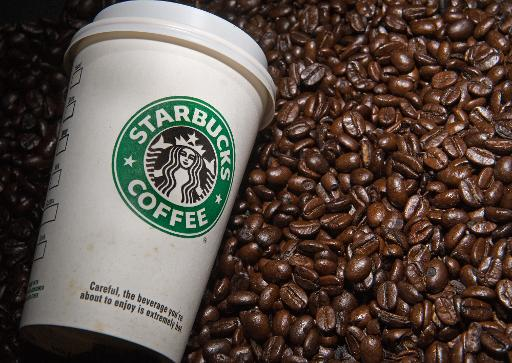 Starbucks 'gives away' drinks after US system outage