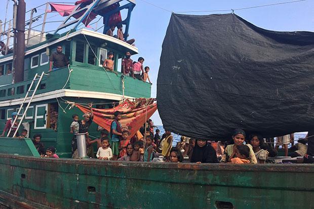 Desperate to escape Myanmar, migrants left to starve