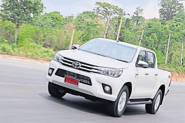 2015 Toyota Hilux Revo review