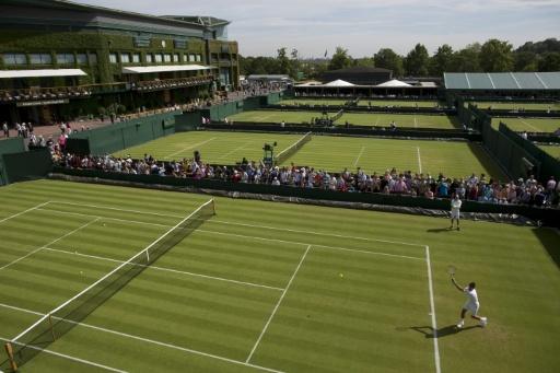 Djokovic, Serena, Sharapova eye Wimbledon last 16