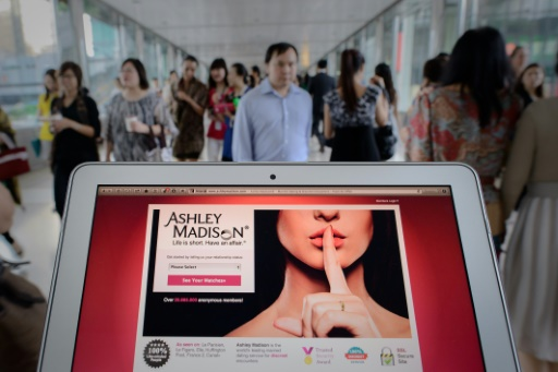 Ashley Madison boss steps down after data breach