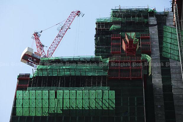 Bangkok governor sued over Shinawatra tower