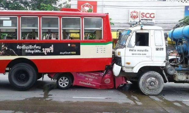Taxi Crushed By Cement Truck Amp Bus Bangkok Post Learning