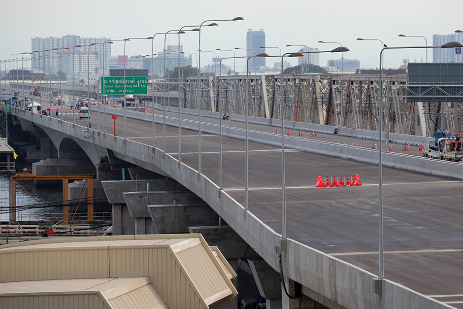 The new Sirat-Bangkok Outer Ring Road is 98% complete and will open in August. The 32-billion-baht project links the Sirat Expressway north of Mor Chit 2 bus terminal to western Bangkok.