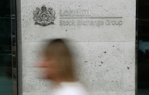 European stocks extend recovery at open