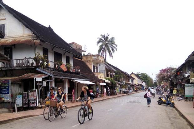 Thailand proposes tourism package with Laos
