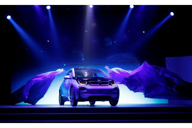 Bmw Plans Electric Car Battery Factory In Thailand Bangkok Post