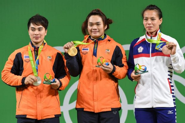 China wins 2 golds as doping cases hit weightlifting