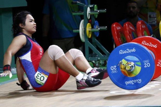 China's Deng gets weightlifting gold and two world records