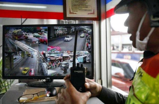 Traffic lights, camera, action