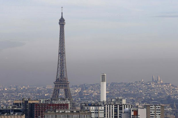 Paris smog leads to more traffic curbs