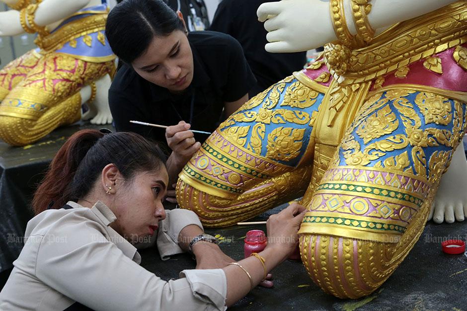 Preparations for the royal crematorium