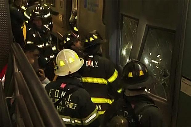 NYC commuter train derails, injuring dozens