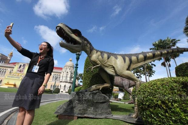 Dinosaurs at Government House | Bangkok Post: news