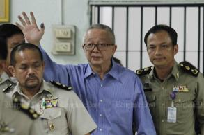 Sondhi acquitted in lese majeste case