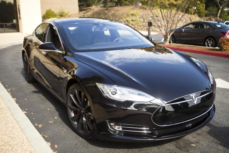 Dubai transport authority agrees to buy 200 Tesla vehicles