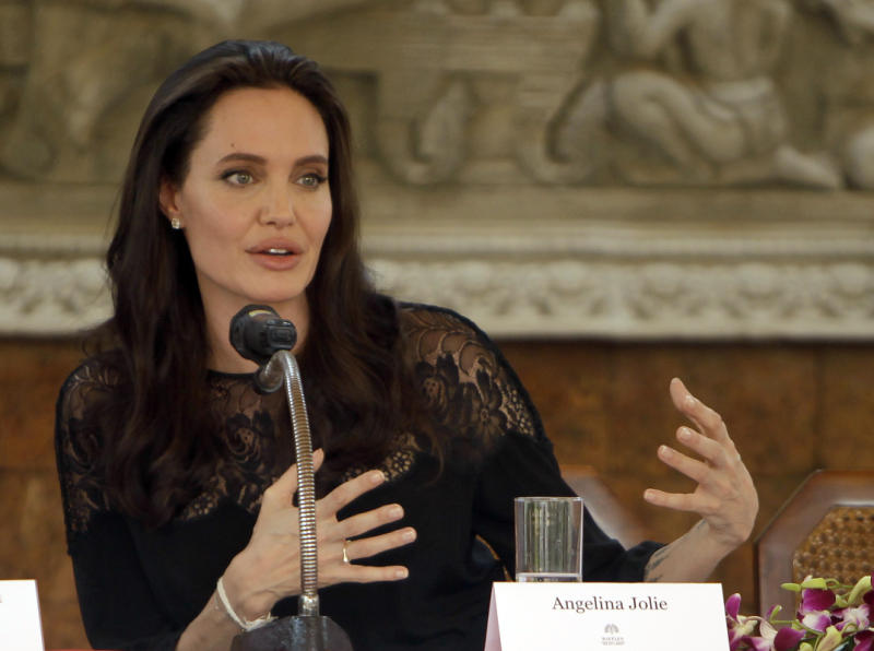Angelina Jolie launches Khmer Rouge film in Cambodia