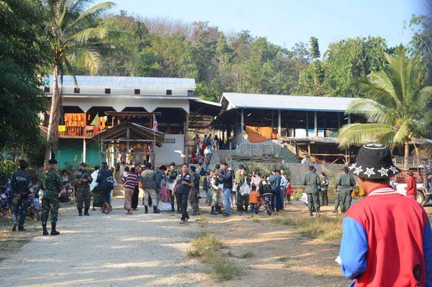 Ethnic Mon villagers take refuge   Bangkok Post: news