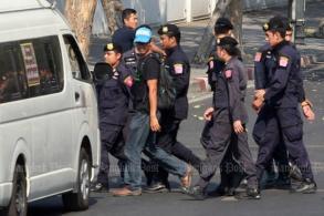Police arrest coal protest leaders