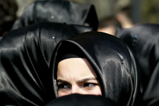 Turkey lifts ban on headscarves for soldiers