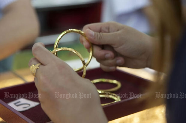Gold prices up B100 to  B20,200
