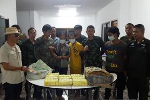 Three nabbed with bags of meth pills in Phrae