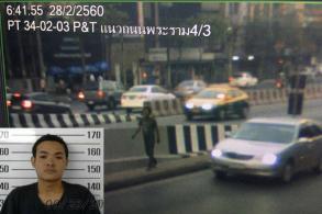 'Squeegee' man wanted over Bangkok bridge fire