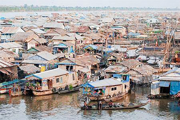 Cambodia to remove floating river villages