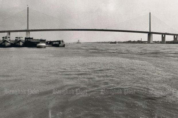 Man falls to death from Rama IX bridge | Bangkok Post: news
