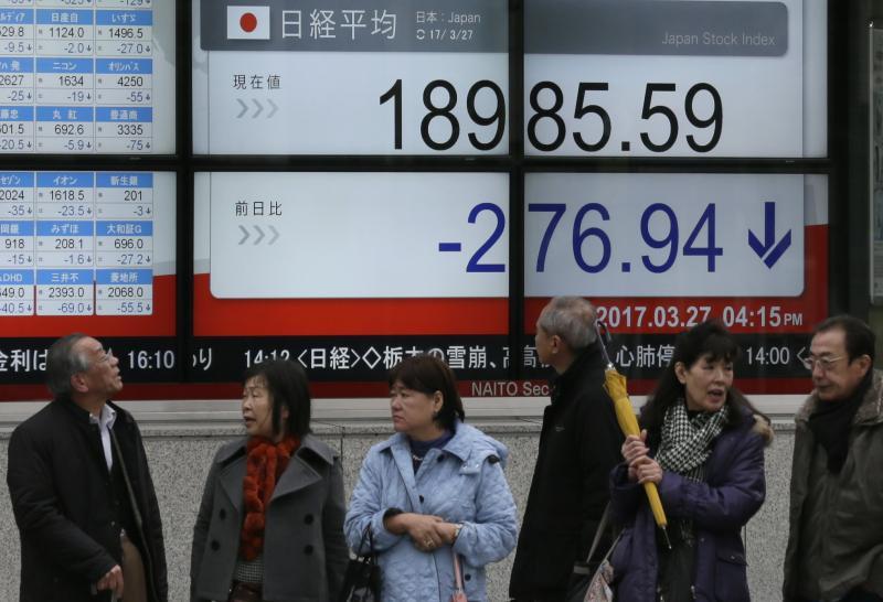 SE Asia stocks fall as Trump healthcare defeat spurs tax-cut doubts