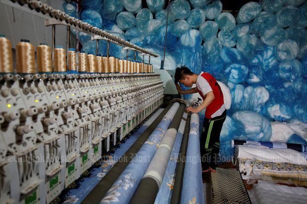 Vietnam's economy slowed in 1st quarter