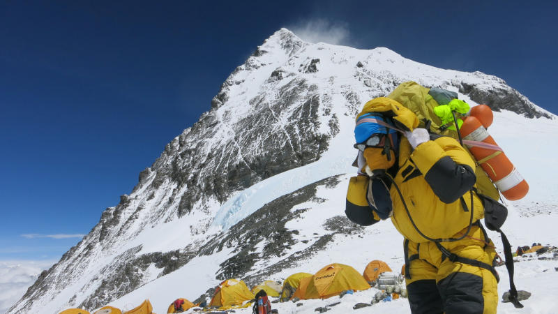 Nepal asks climbers to clean Everest camp